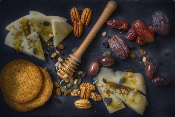Miele artigianale, abbinamenti e varietà di miele